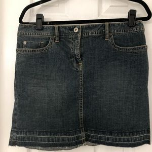 Loft Denim Skirt. Size 8. never worn